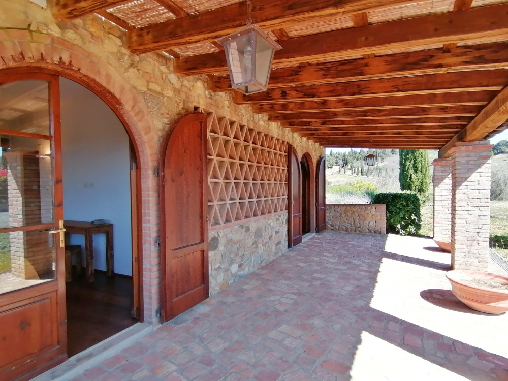 Casale Castelfalfi loggia