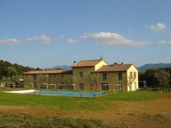 vendita casolari in pietra Toscana