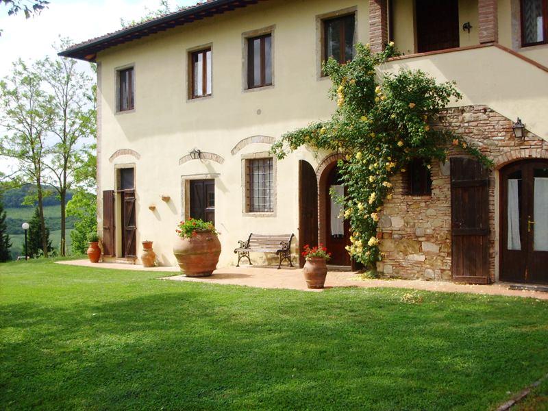 vendita casa in collina vicinanze siena