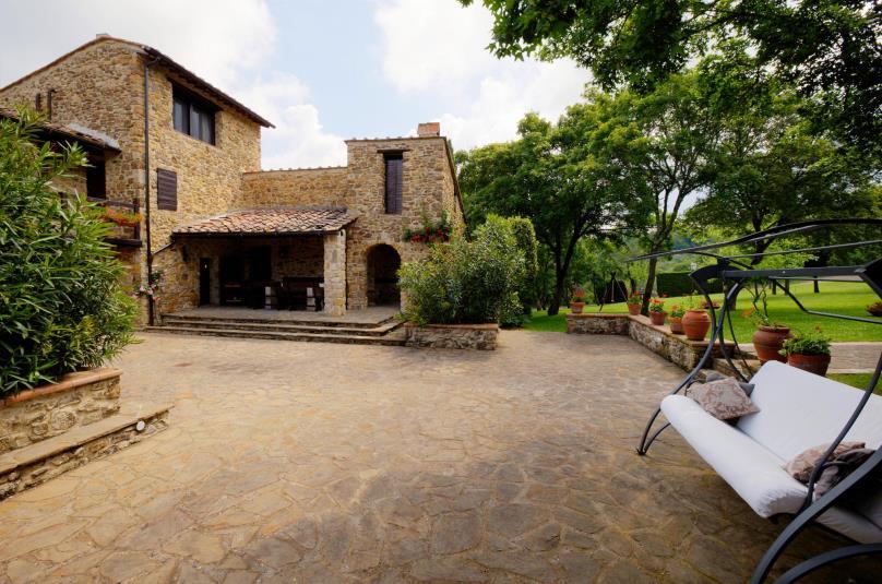 Vendita casali in pietra toscana for Disegni di case toscane